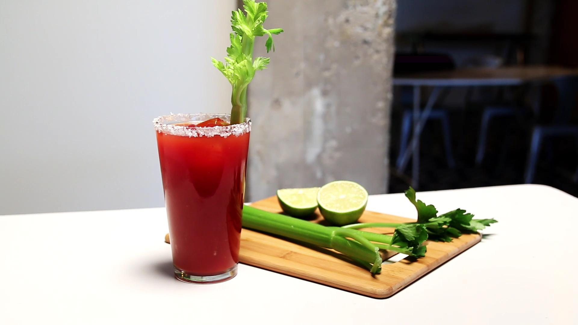 How to Make a Sriracha Michelada
