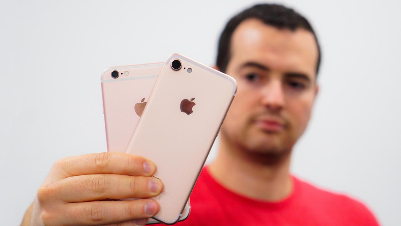 iPhone 7 Exposed: Hands on With iPhone 7 Dummy