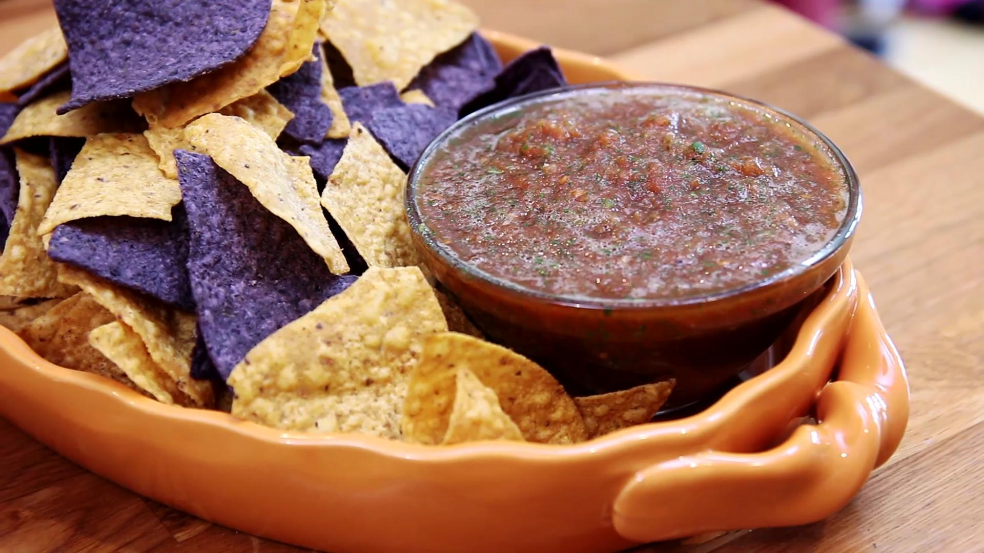 Authentic Mexican Restaurant-Style Salsa Recipe