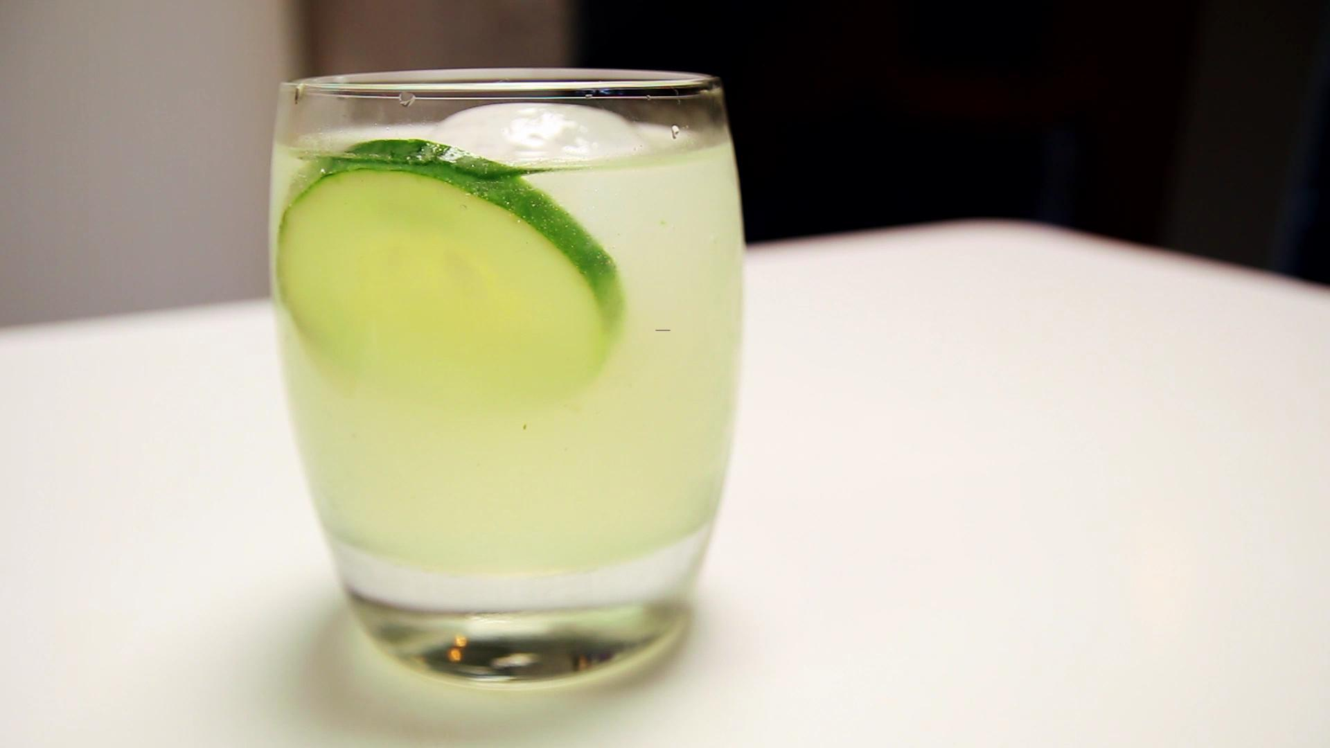 How to Make a Cucumber Basil Gimlet