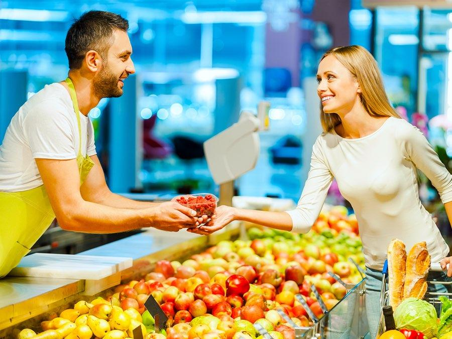Thinking Outside the Cart: 3 Healthy New Grocery Store Trends