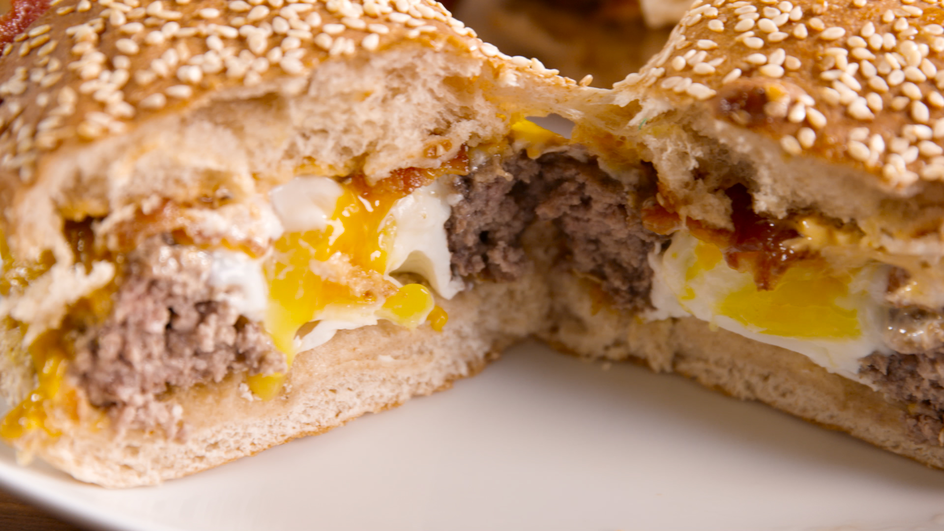 Egg-in-a-Whole-Burger Recipe