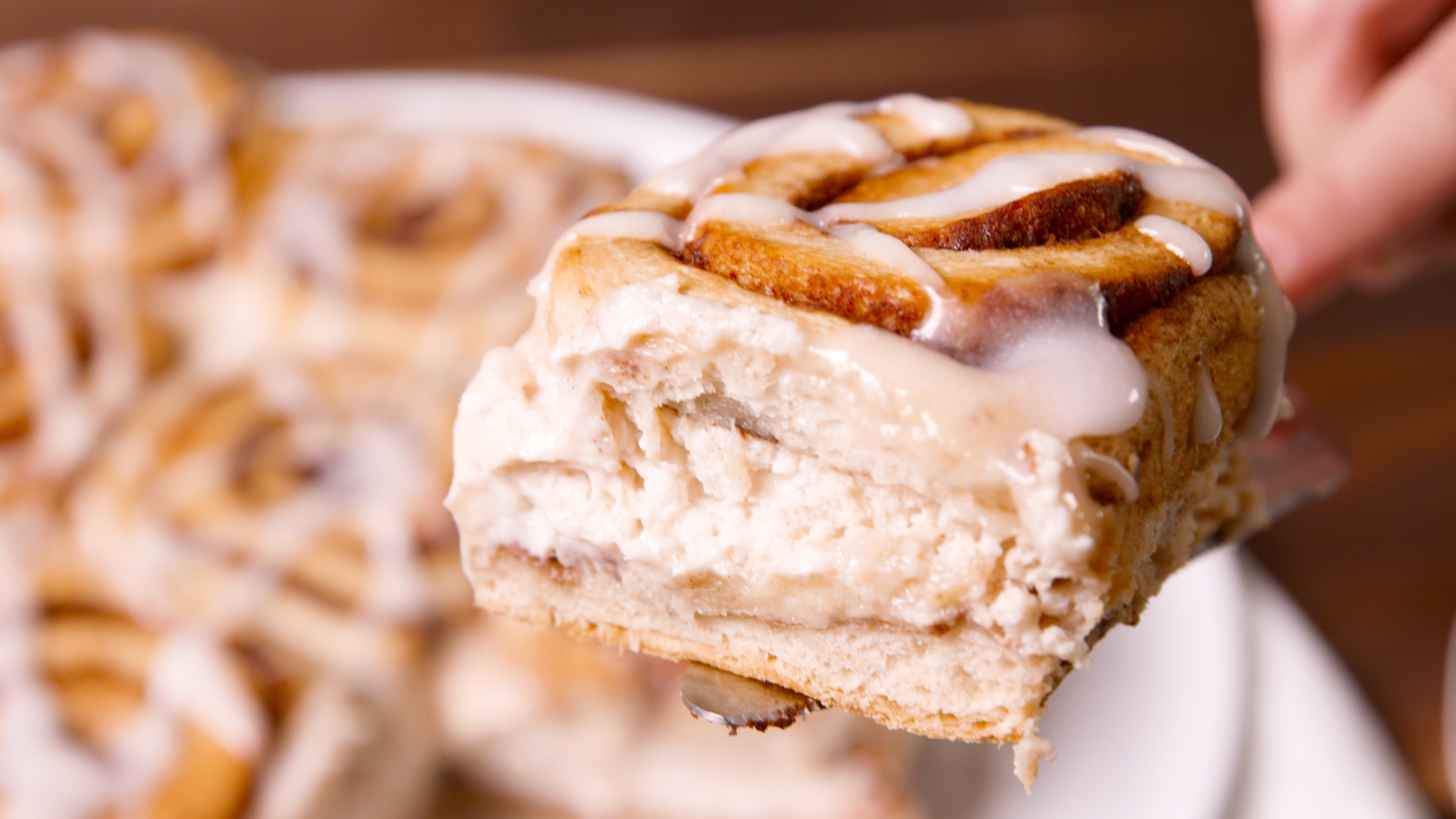 Cheesecake Stuffed Cinnabuns
