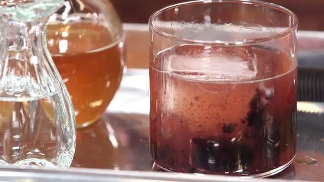 How to Make Blackberry Meade Fashioned