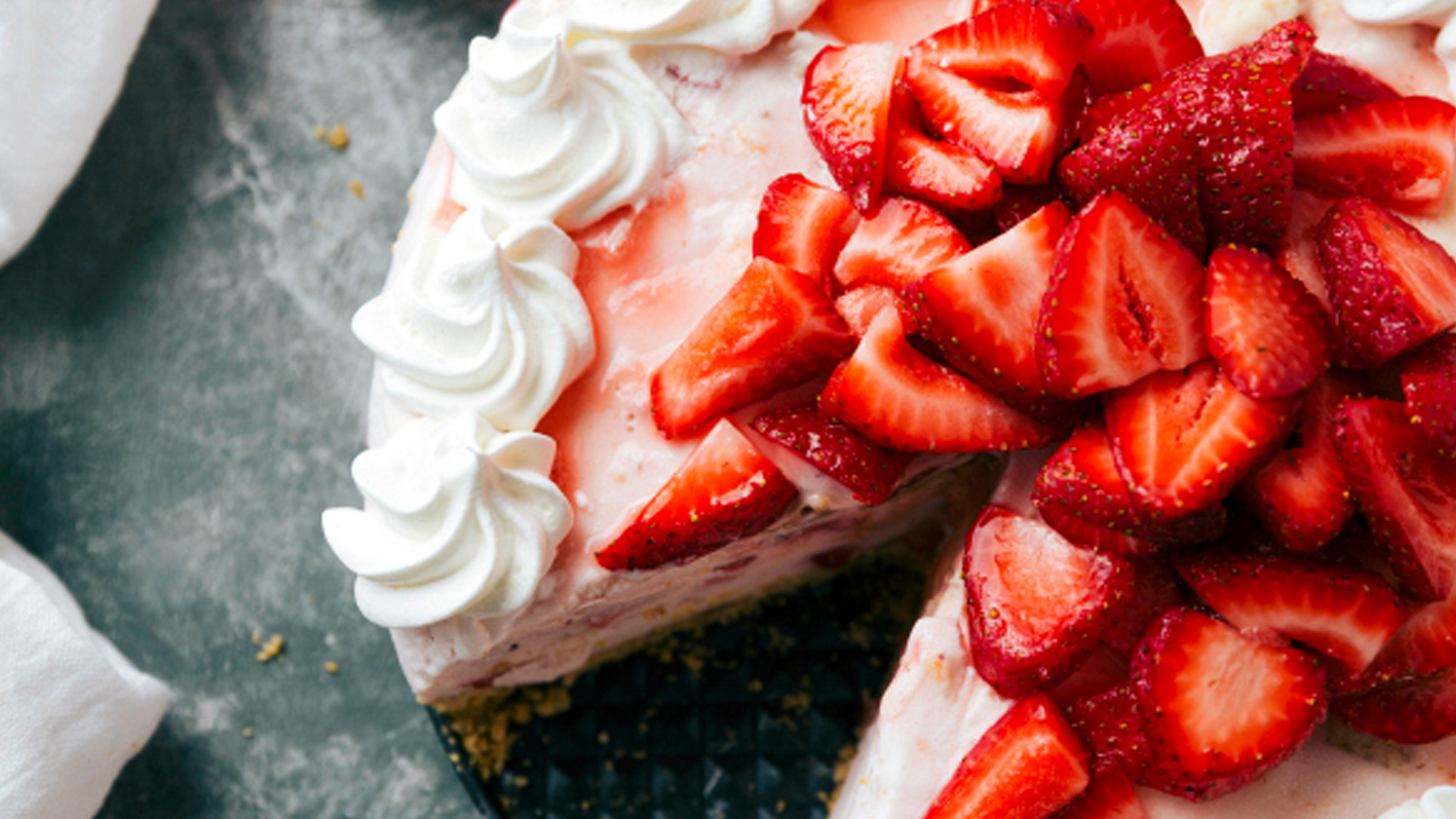 Strawberry Cheesecake Ice Cream Pie