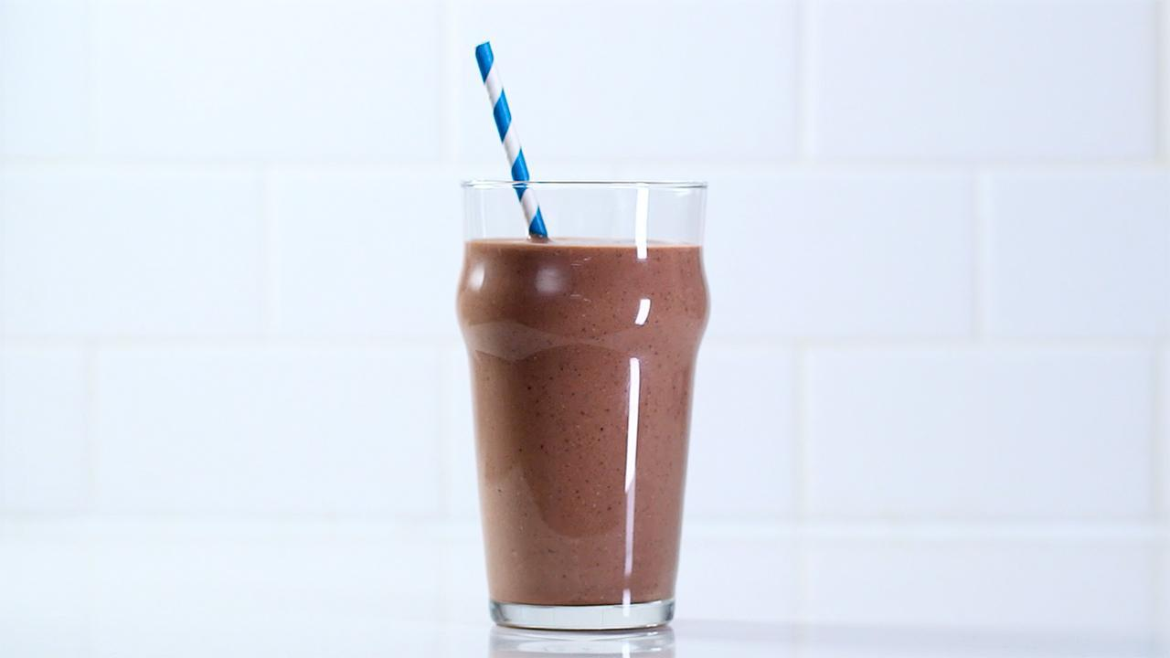 Banana, Nutella, and Chia Smoothie