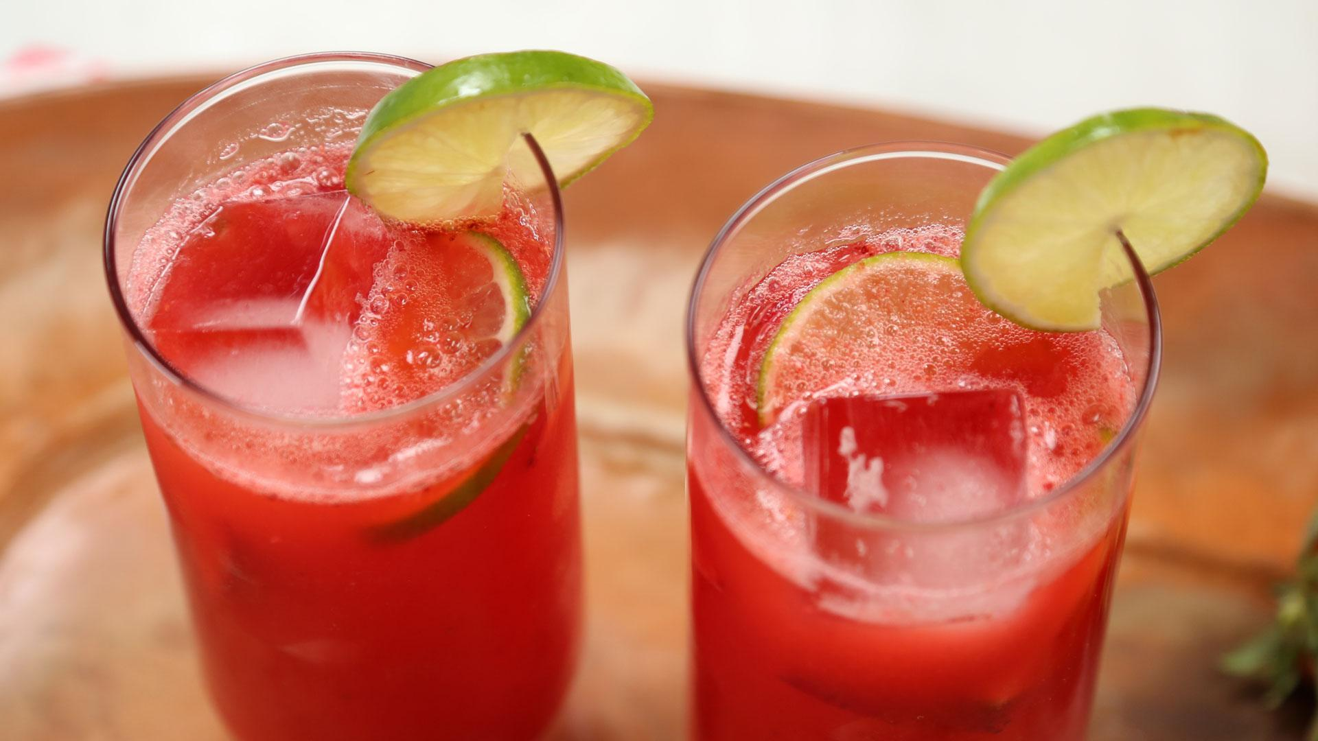 How to Make Strawberry Margarita Spritzers