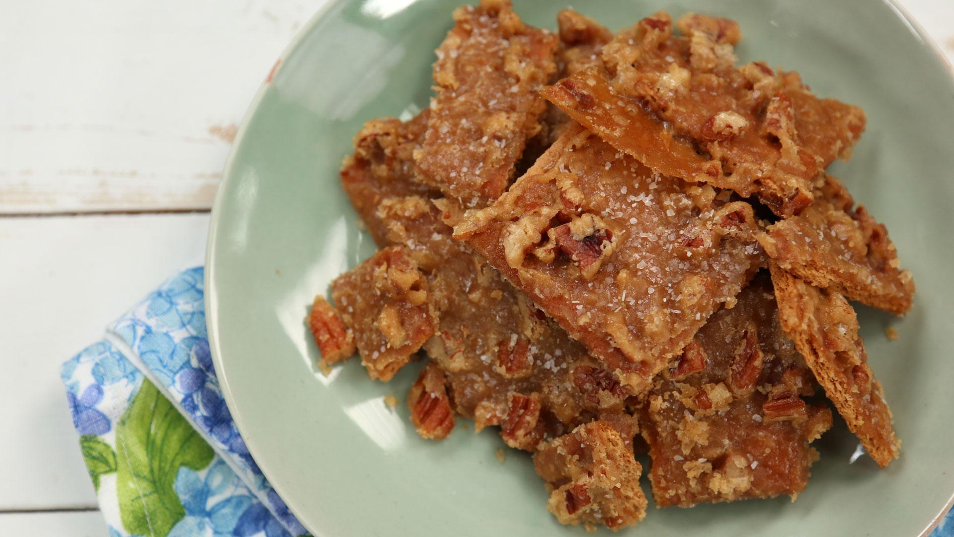 How to Make Salted Caramel-Pecan Bars