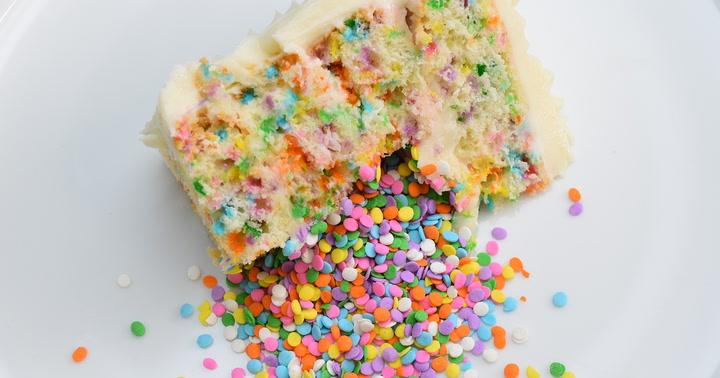 This Surprise Confetti Cake Is a Quality Dessert