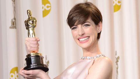 Anne Hathaway Was Faking Being Happy During Oscar Win