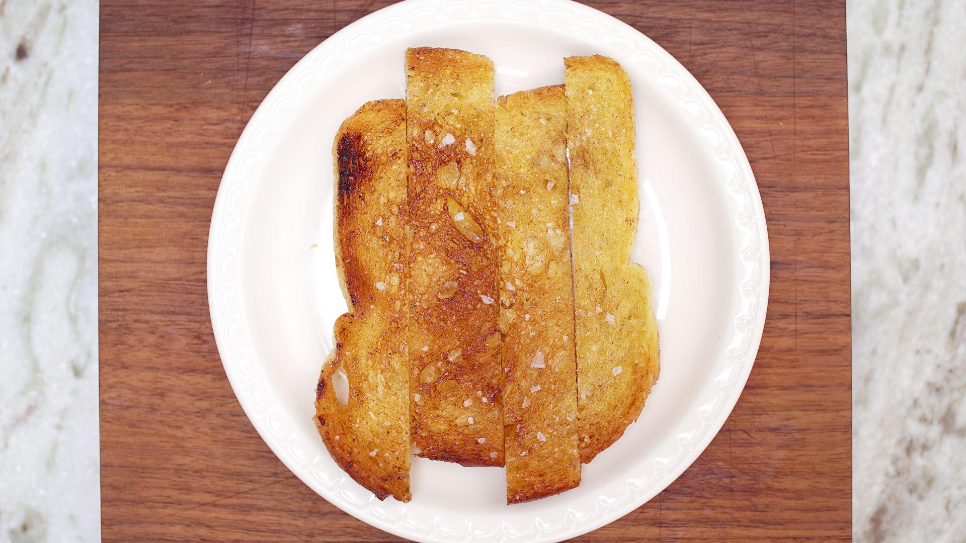 How to Make Griddled Cinnamon Toast