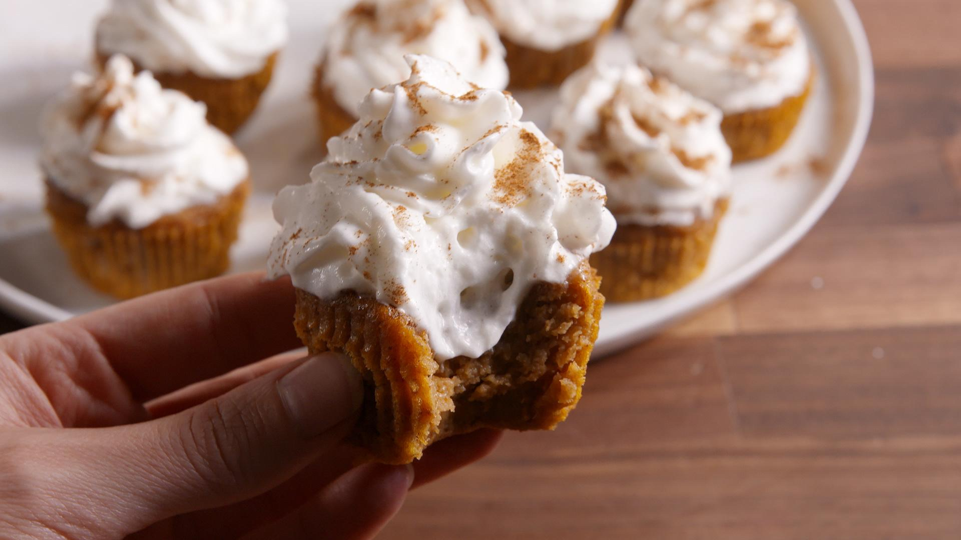 How to Make Mini Pumpkin Pie Cupcakes for Thanksgiving