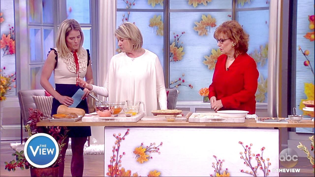 Martha Stewart Whips Up Thanksgiving Pies on The View
