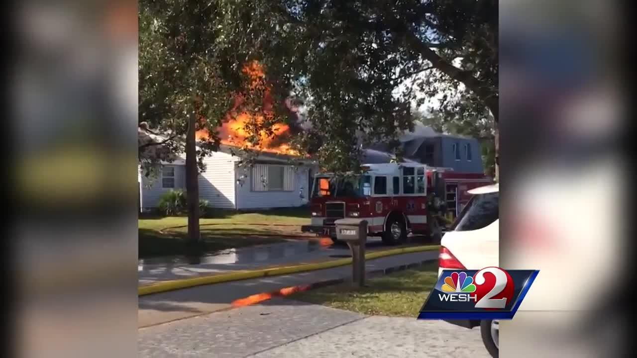 Fire engulfs 2 Port Orange homes