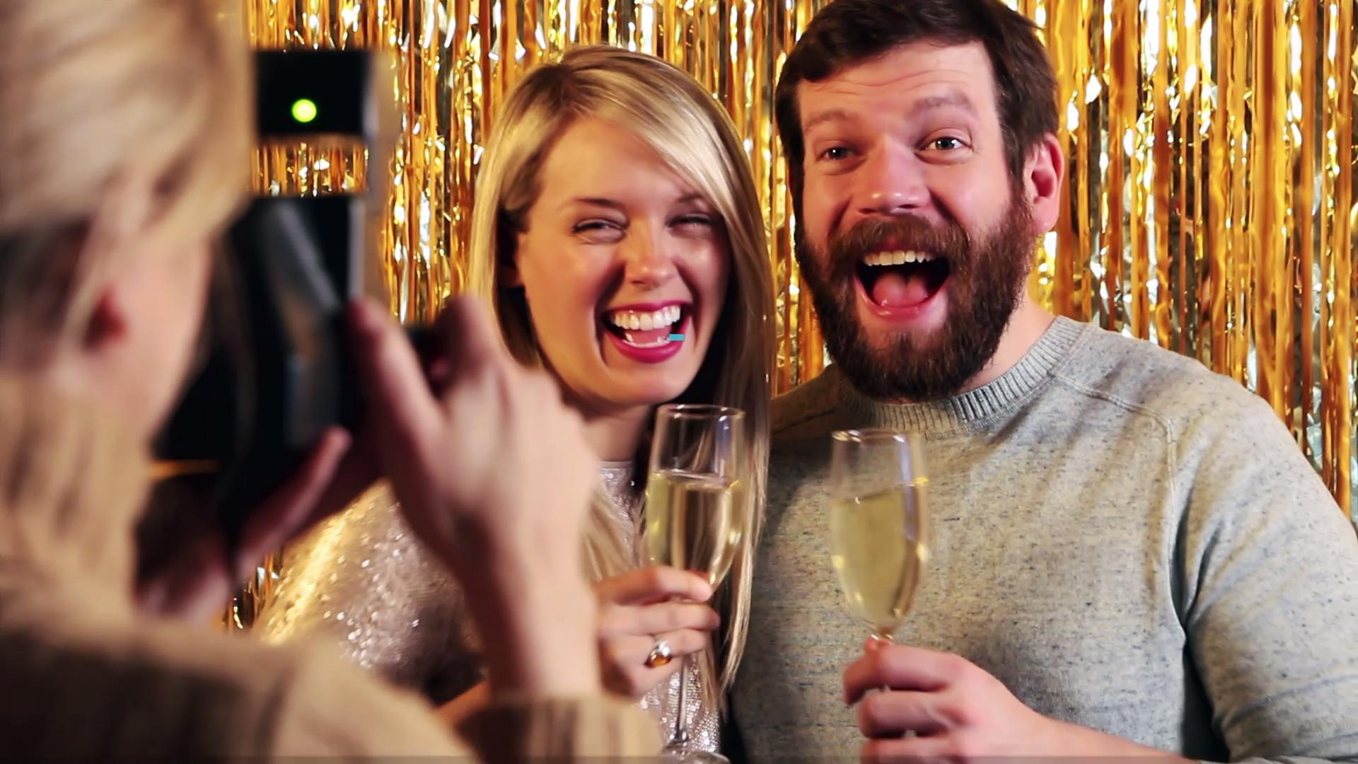 How to Make a Picture-Perfect New Year's Eve Party Photo Booth