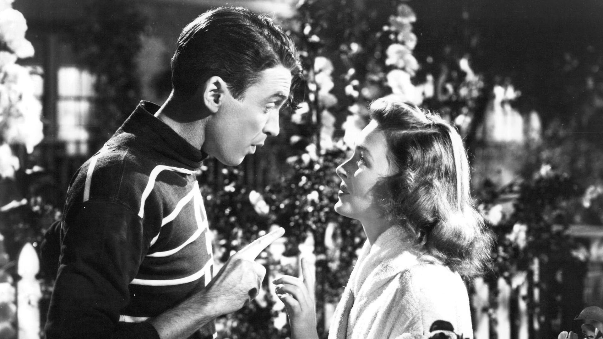 The Wonderful and Not So Wonderful Moments of 'It's a Wonderful Life'