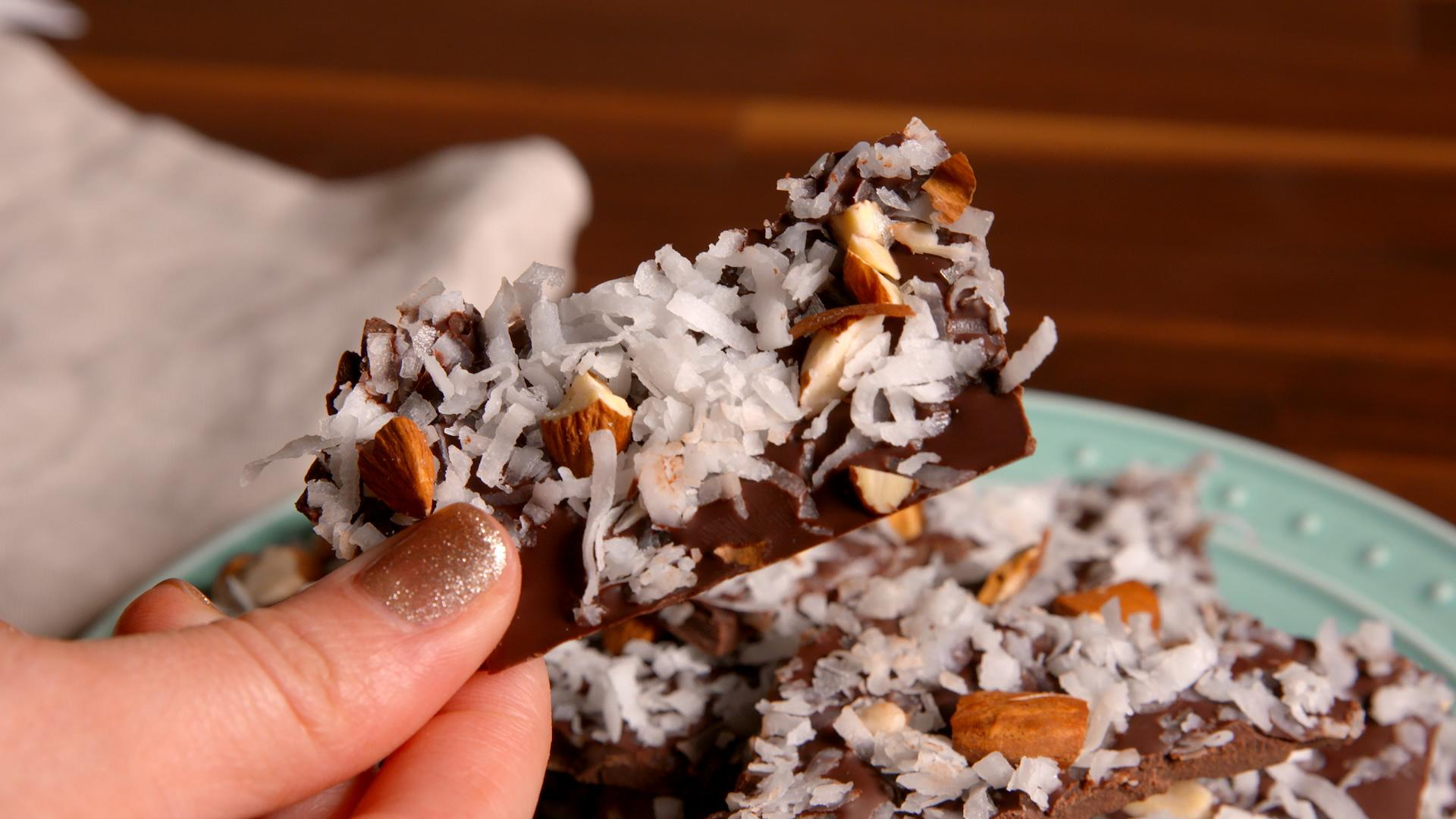 This Almond Joy Bark is the Skinny Twist on Your Favorite Candy Bar!