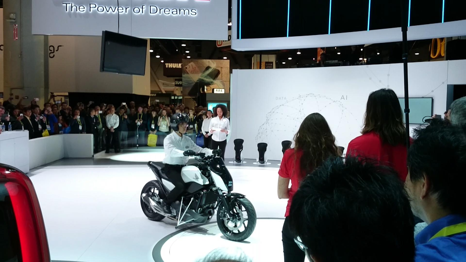 Bmw Motorrad Creates Autonomous Motorcycle Watch The Video Autoblog