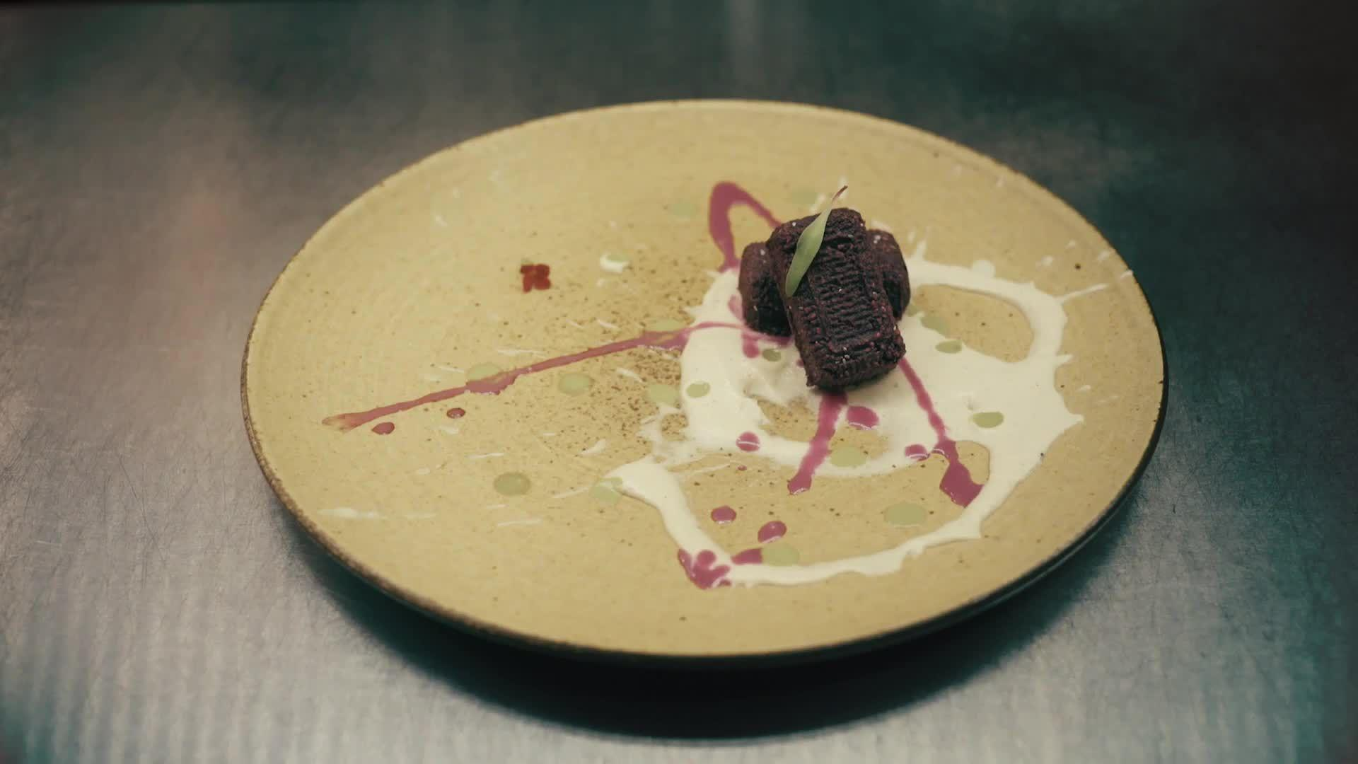Ró Restaurant Makes Raw Food an Art