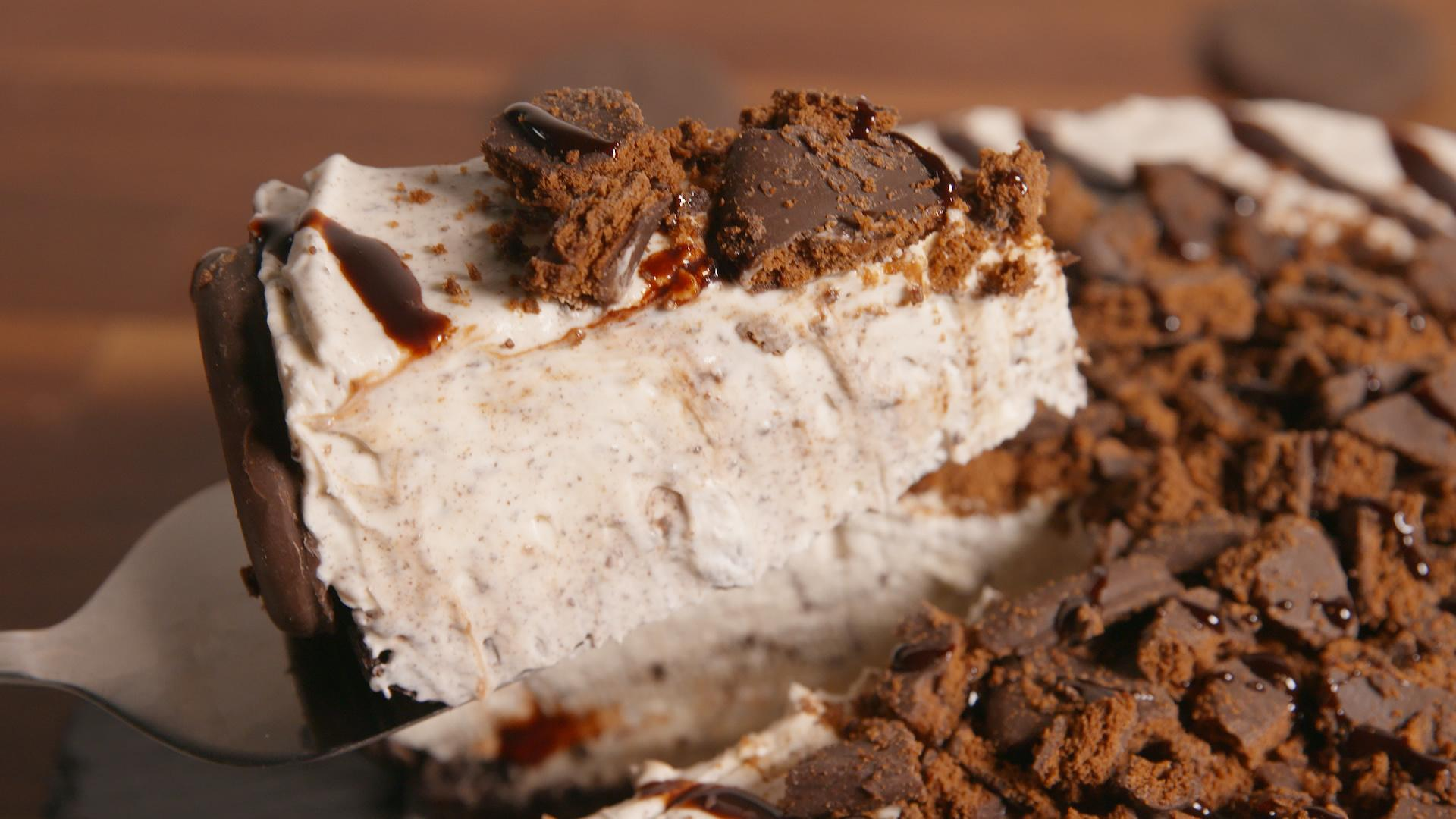 Girl Scout Cookie Fans Need to Try this Thin Mint No-Bake Cheesecake