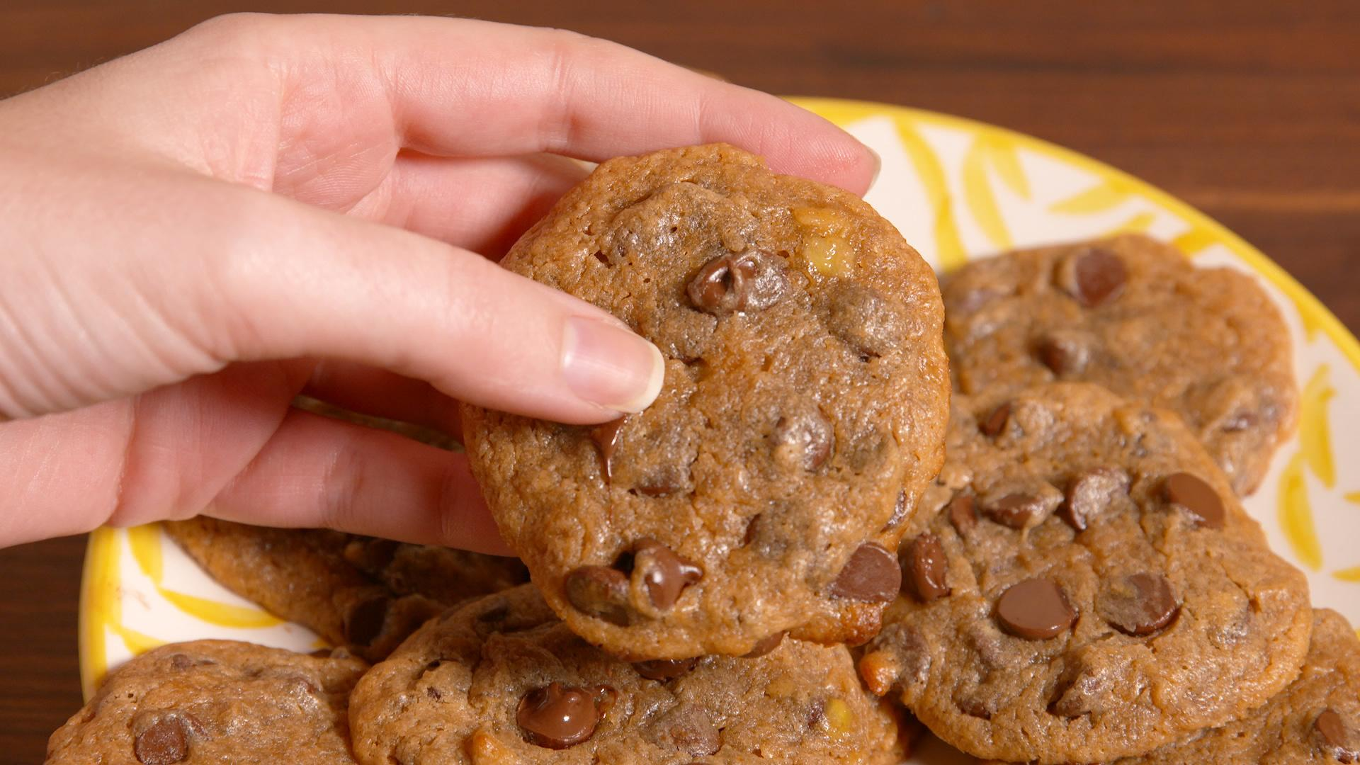 You'll Never Guess That These Chocolate Chip Cookies Are Gluten-Free
