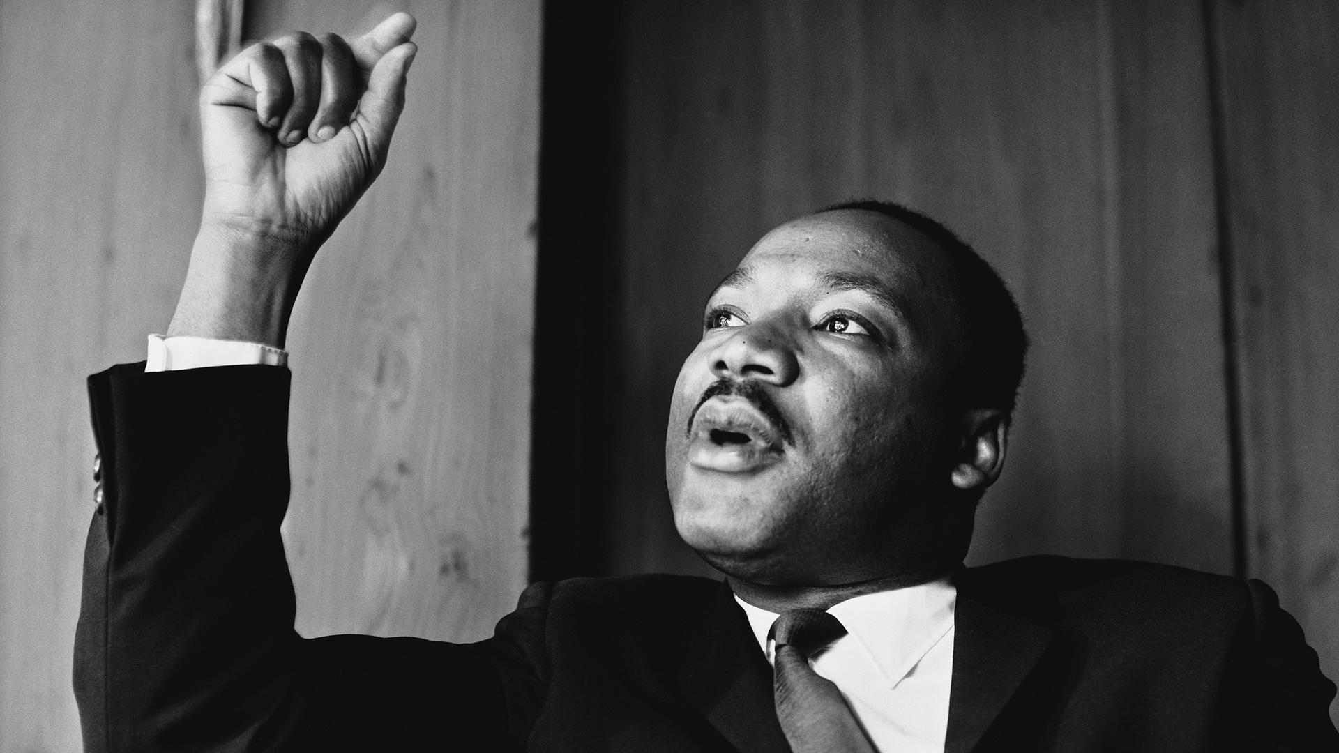 7 Martin Luther King Quotes to Live By in 2017
