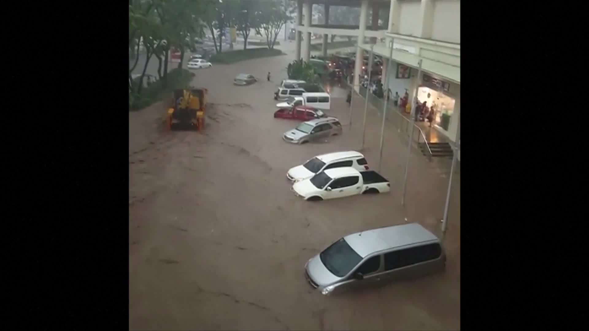 Hours of torrential rain in southern Philippines causes floods