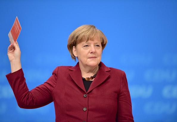 Angela Merkel calls for cooperation with Russia to fight ISIS
