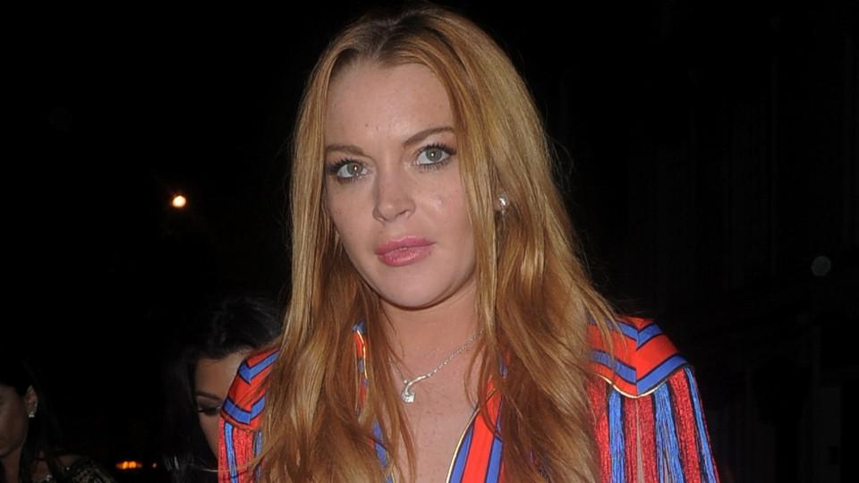 "Lindsay Lohan Wants To Be Ariel In ""Little Mermaid"" Remake"