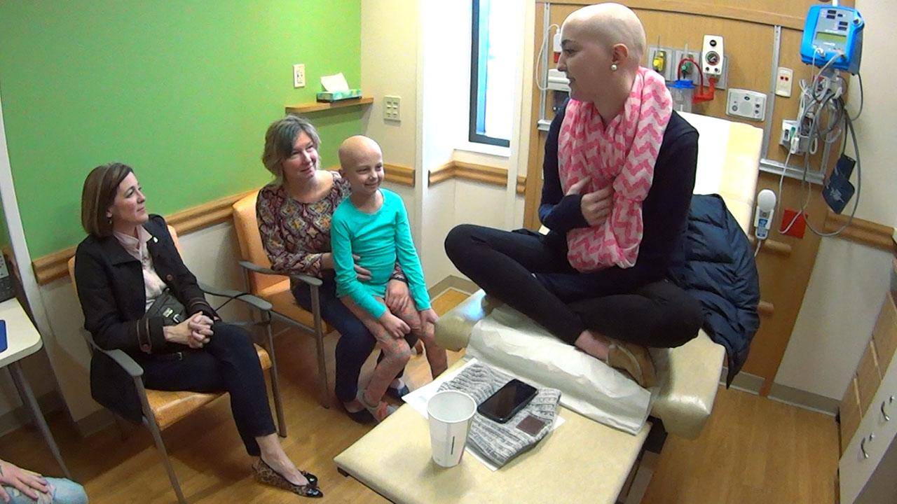 Woman continues to help cancer patients as she battles leukemia