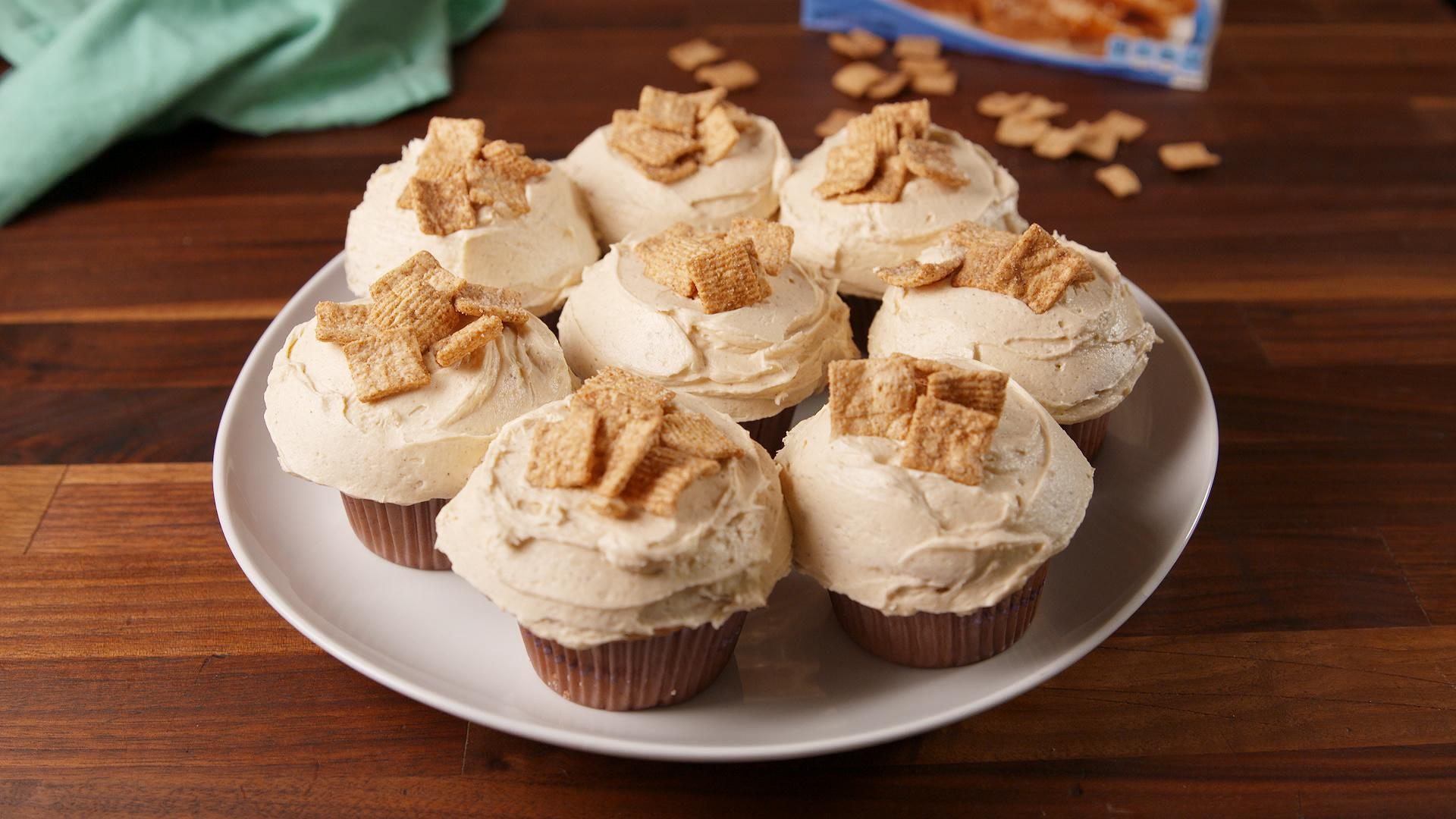 You Need to See the Inside of These Cinnamon Toast Crunch Cupcakes