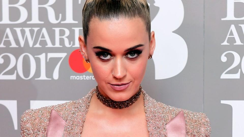 Katy Perry just wore a topknot mohawk, and we must try it immediately