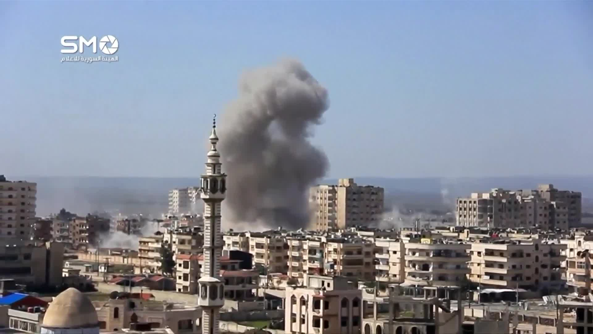 War planes bomb Homs, Syria - amateur video