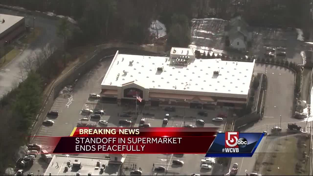 Standoff at Hopkinton supermarket ends peacefully