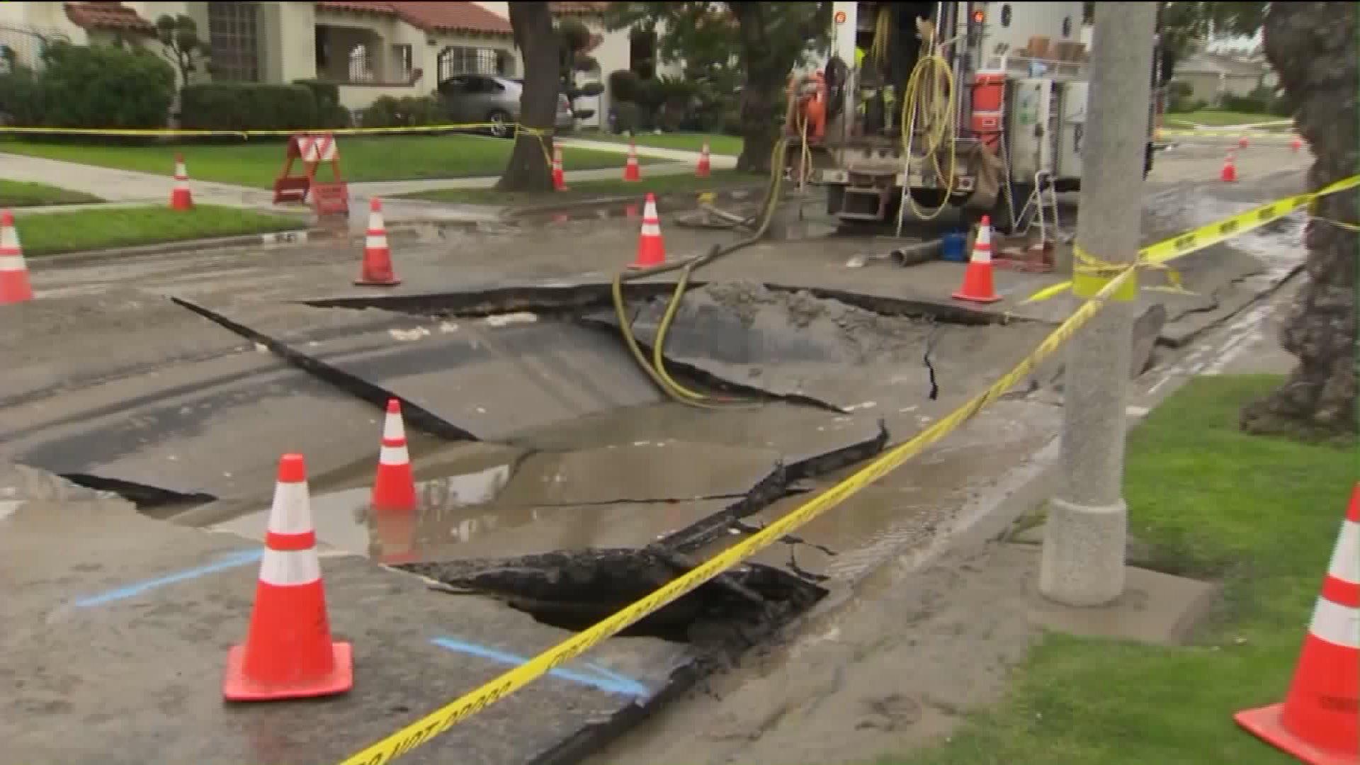 Water Main Break Leads to Massive Sinkhole in Los Angeles