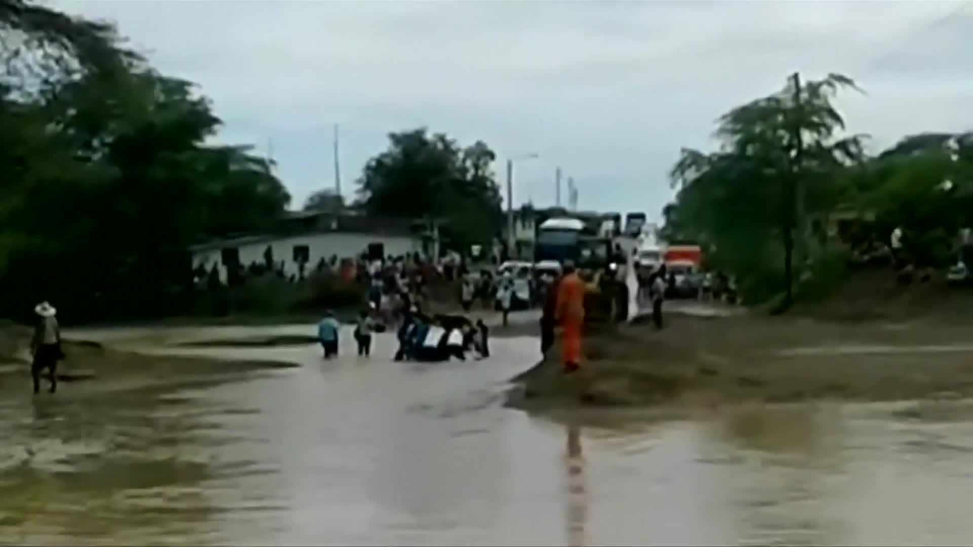 Mudslides block roads in Peru's Andes, as heavy rainfall continues