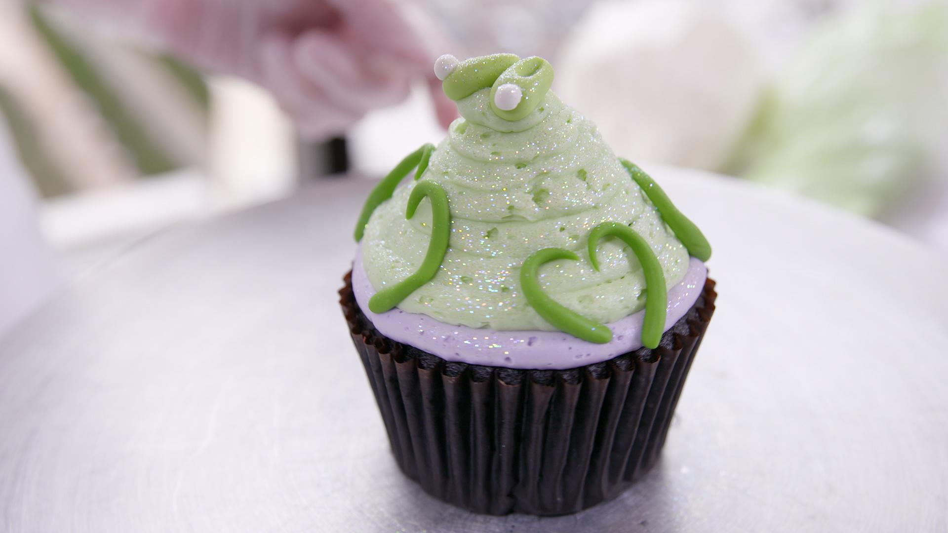 This Tinker Bell Cupcake Would Make Tink Herself Crack a Smile
