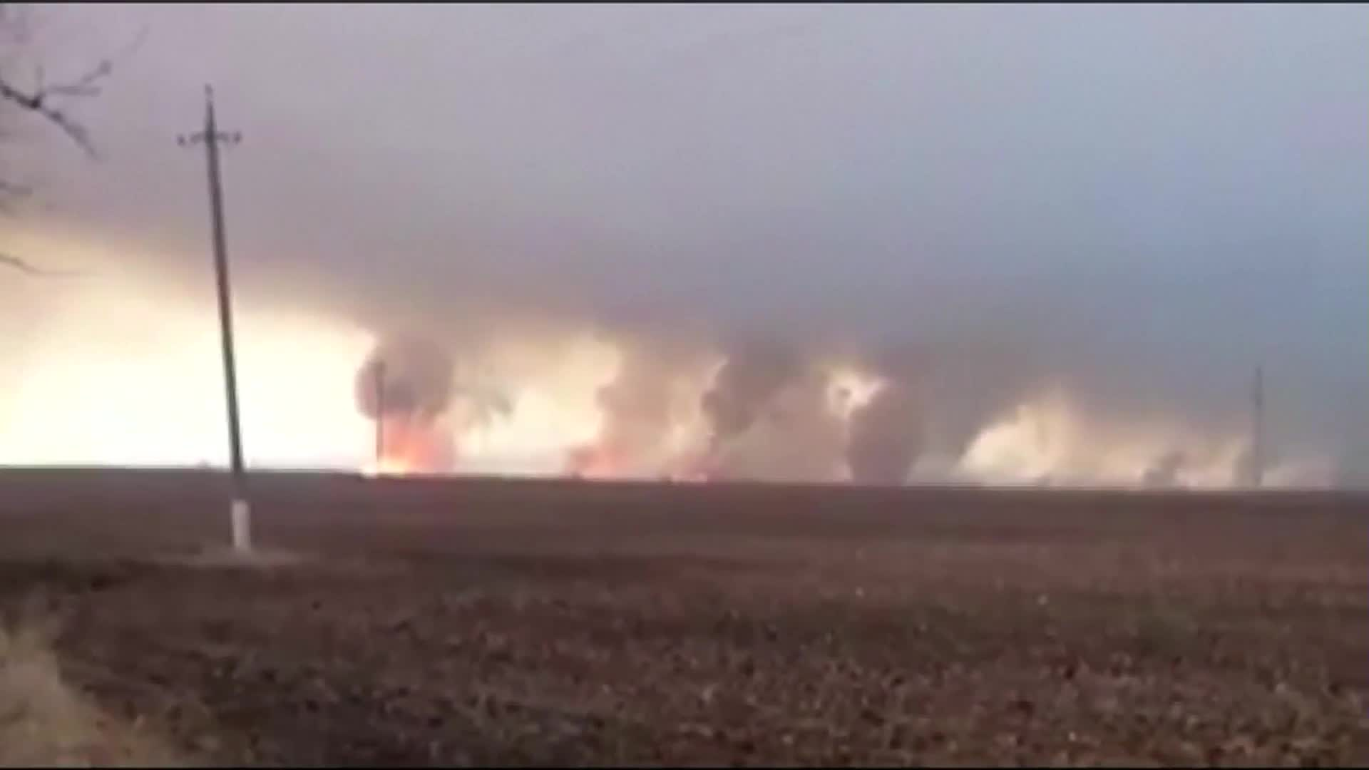 Fire rages at arms warehouse in eastern Ukraine