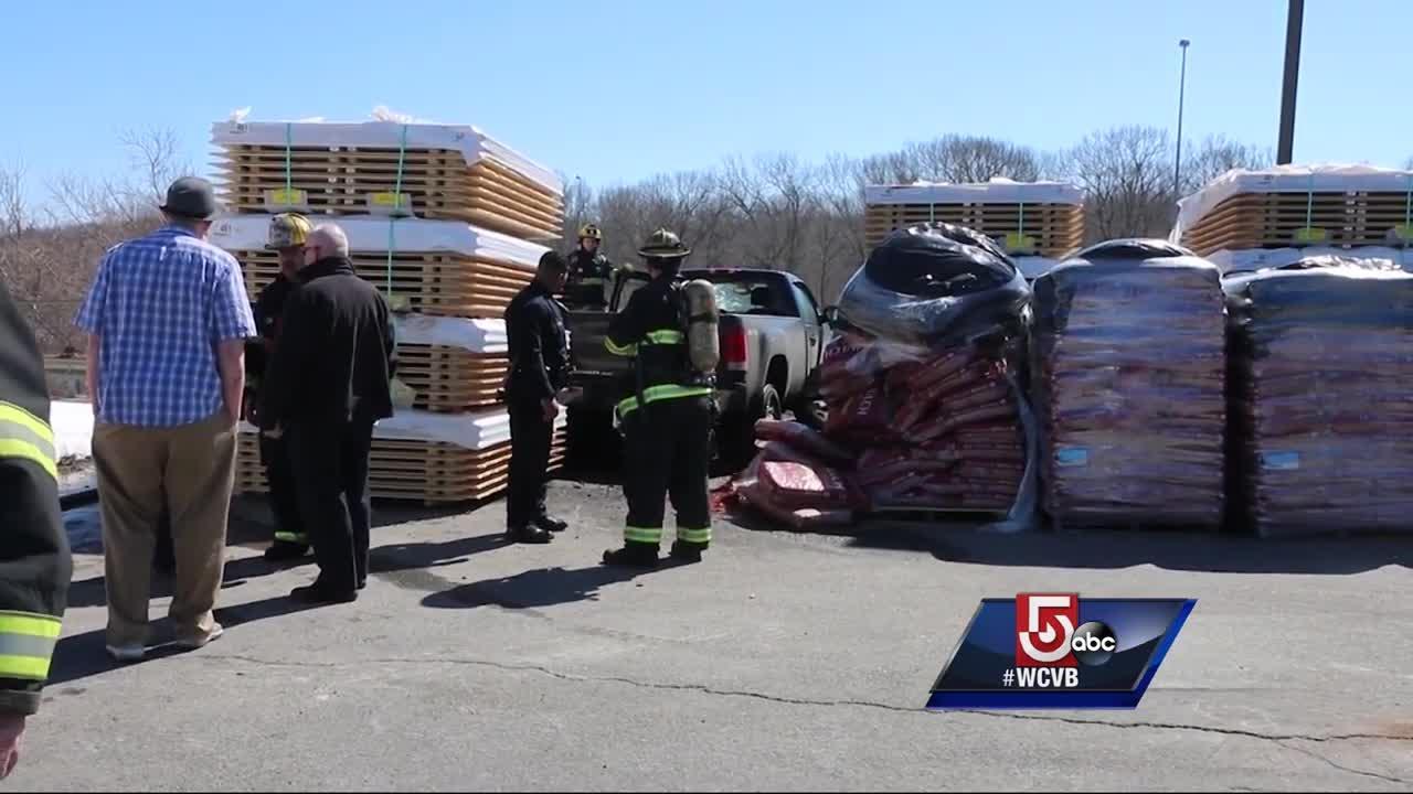 Good Samaritan describes rescuing man from pickup truck