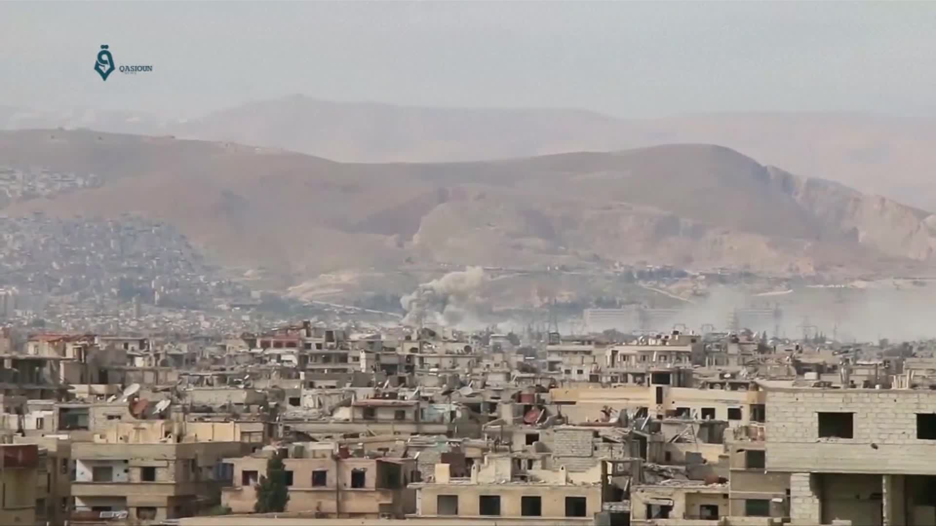 Air strikes target Syrian rebels in Ghouta, east of Damascus - amateur videos
