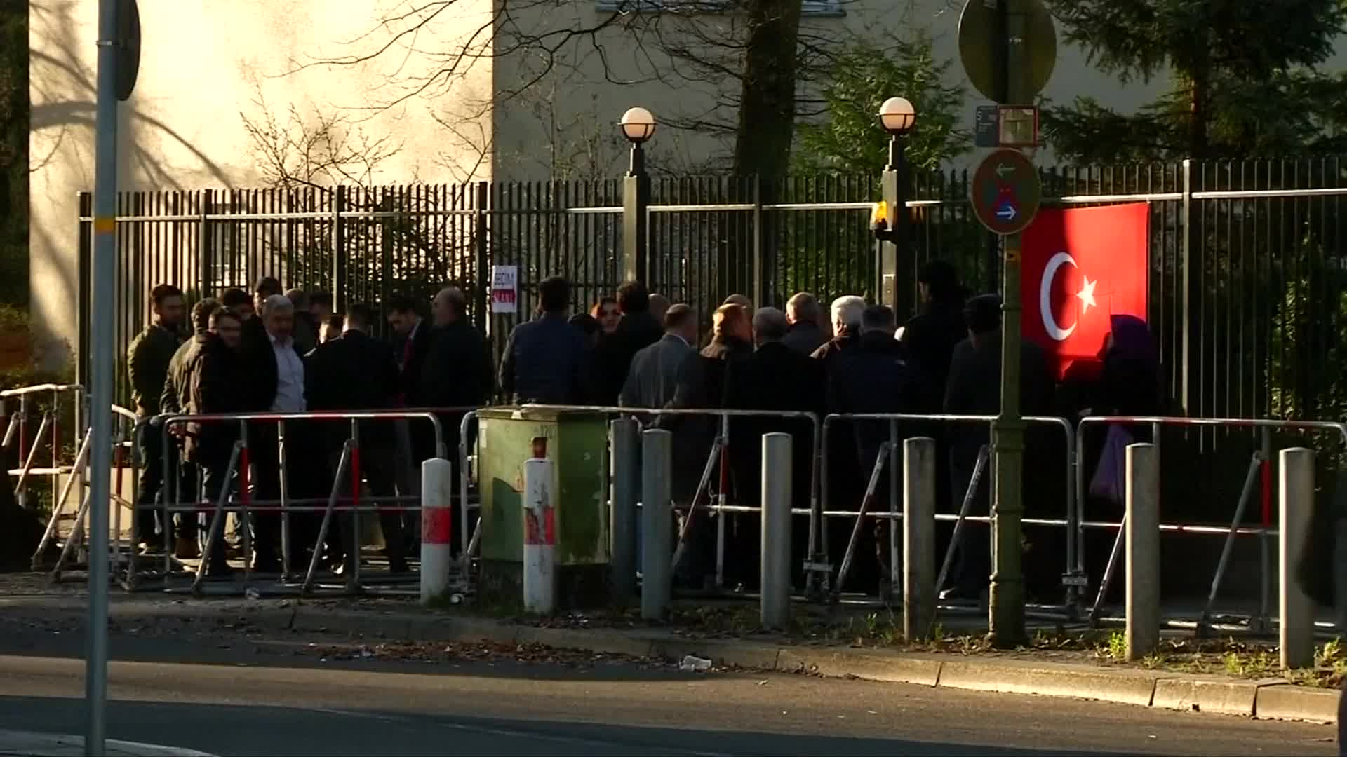 Turks living in Germany cast their vote in referendum