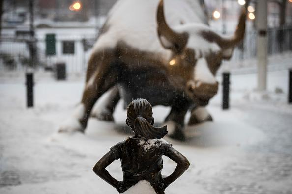 'Fearless Girl' statue on Wall Street to stay until 2018