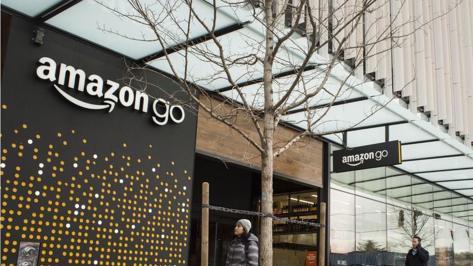Amazon Delays Opening of 'Go' Store