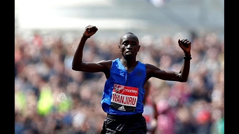 Kenyans Kenjiru and Keitany take London Marathon honours