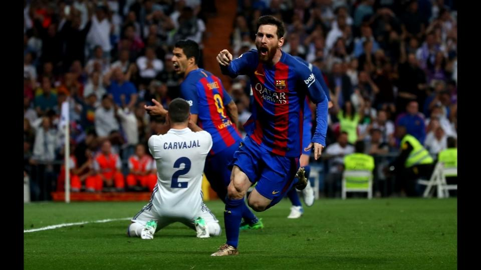 Messi wins El Clasico for Barcelona with his 500th goal for the club