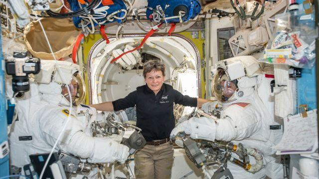 Peggy Whitson Breaks US Spaceflight Record
