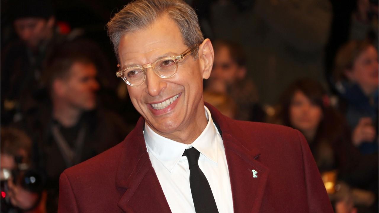 Jeff Goldblum Signs On To Join Jurassic World 2