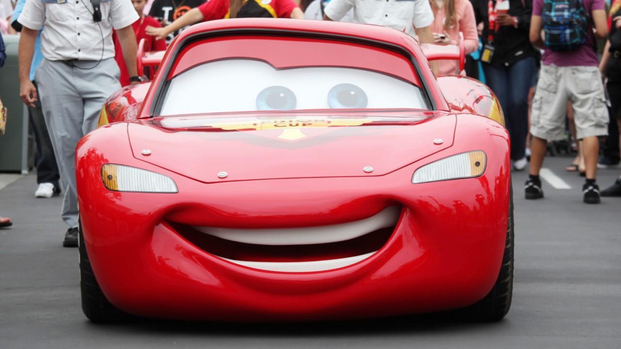 Lightning McQueen Has Crisis In 'Cars 3' Trailer