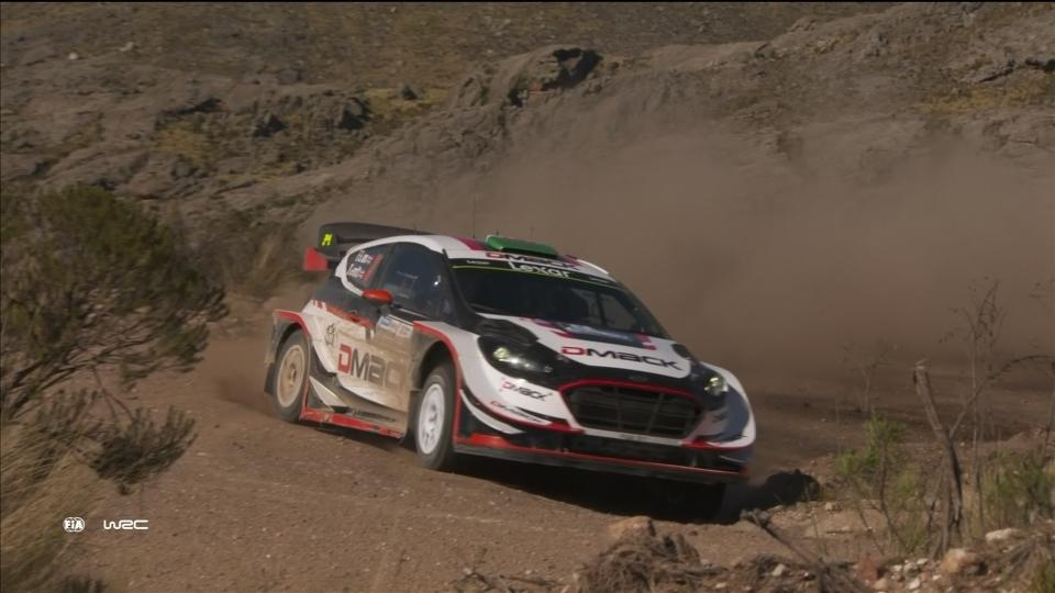 Evans hangs onto his lead in the Argentine rally