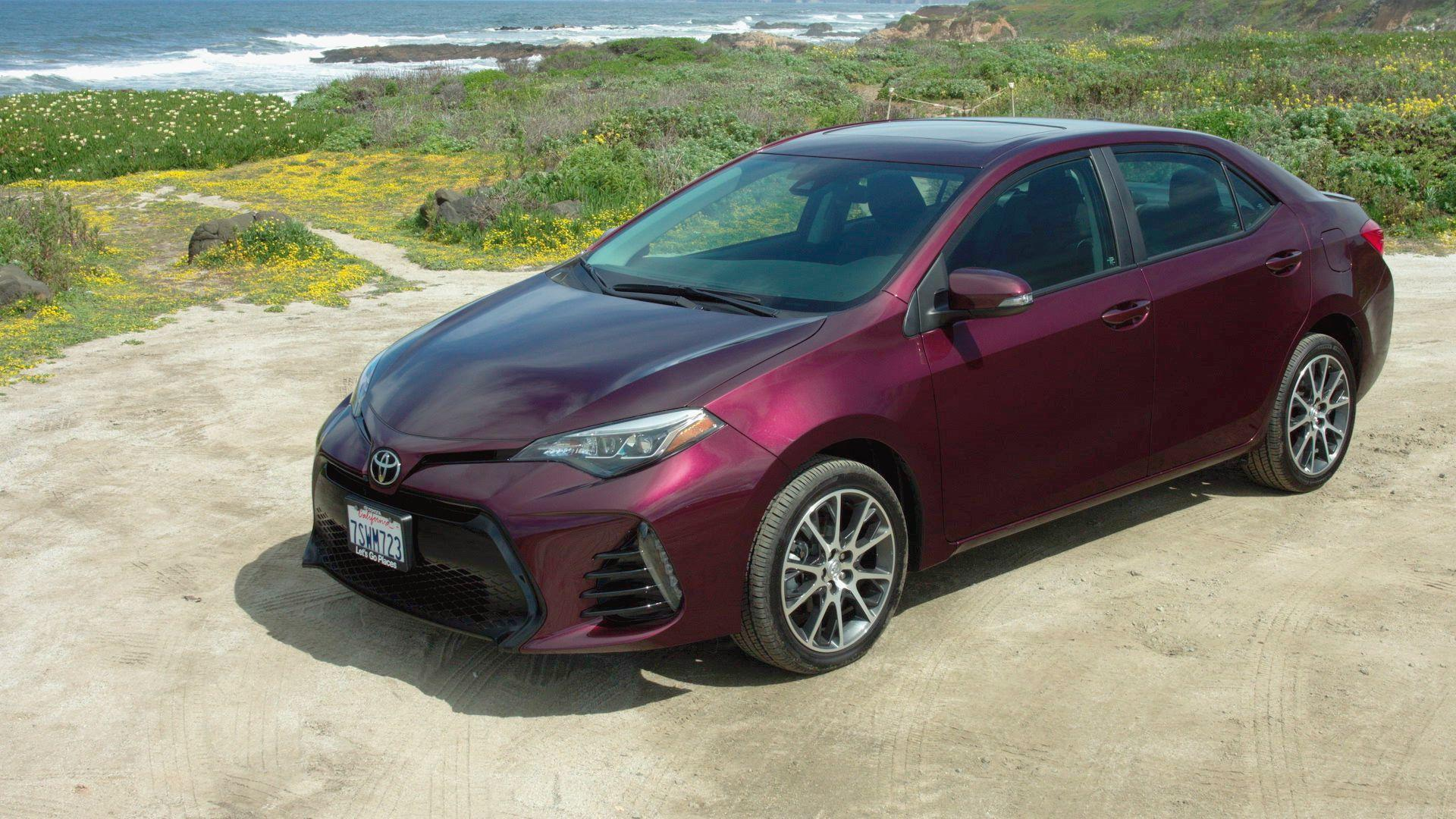 2017 Toyota Corolla: The middle of the road gets a little nicer